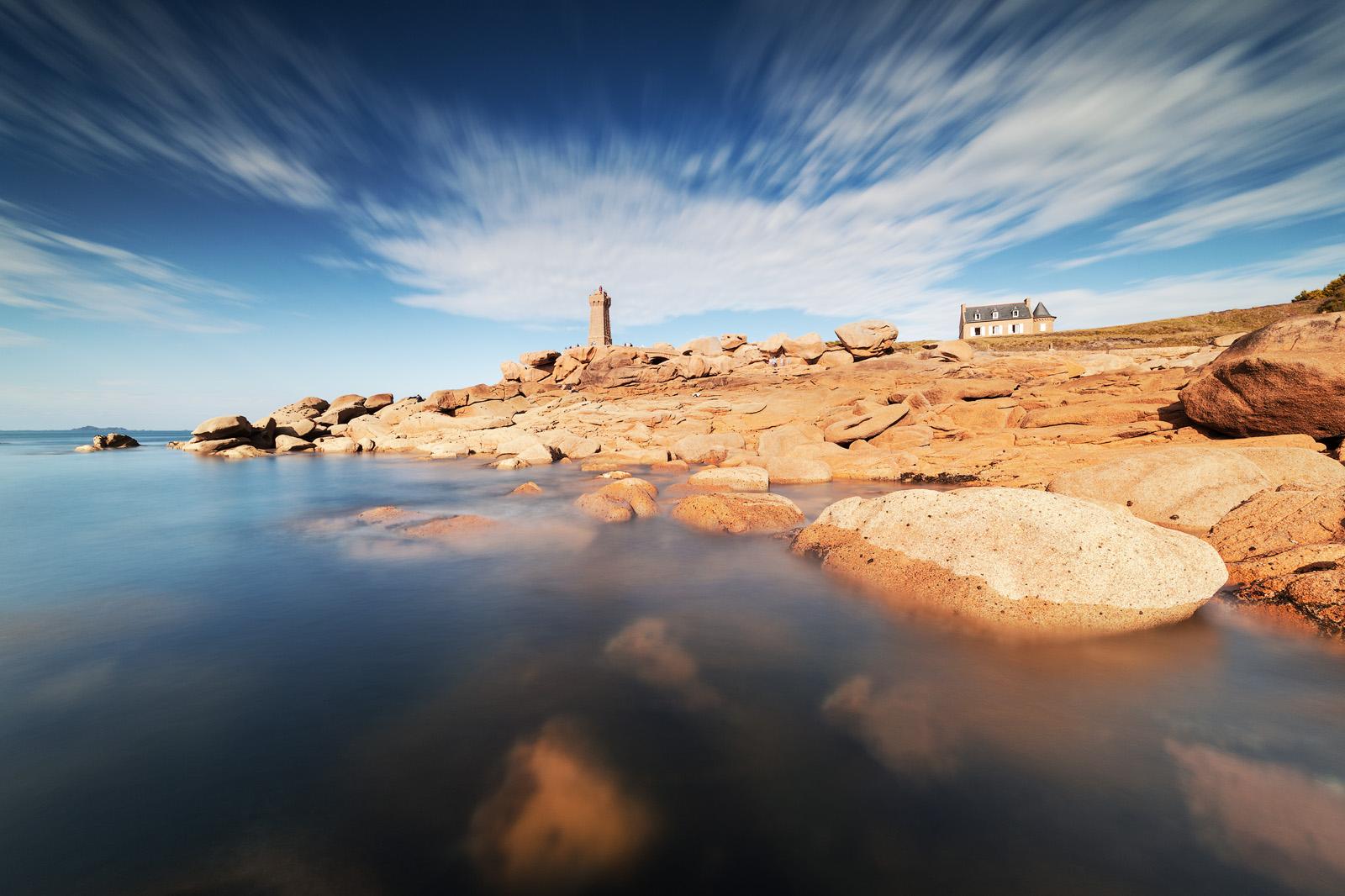 phare_granite_rose_paysage_pierre-louis_ferrer