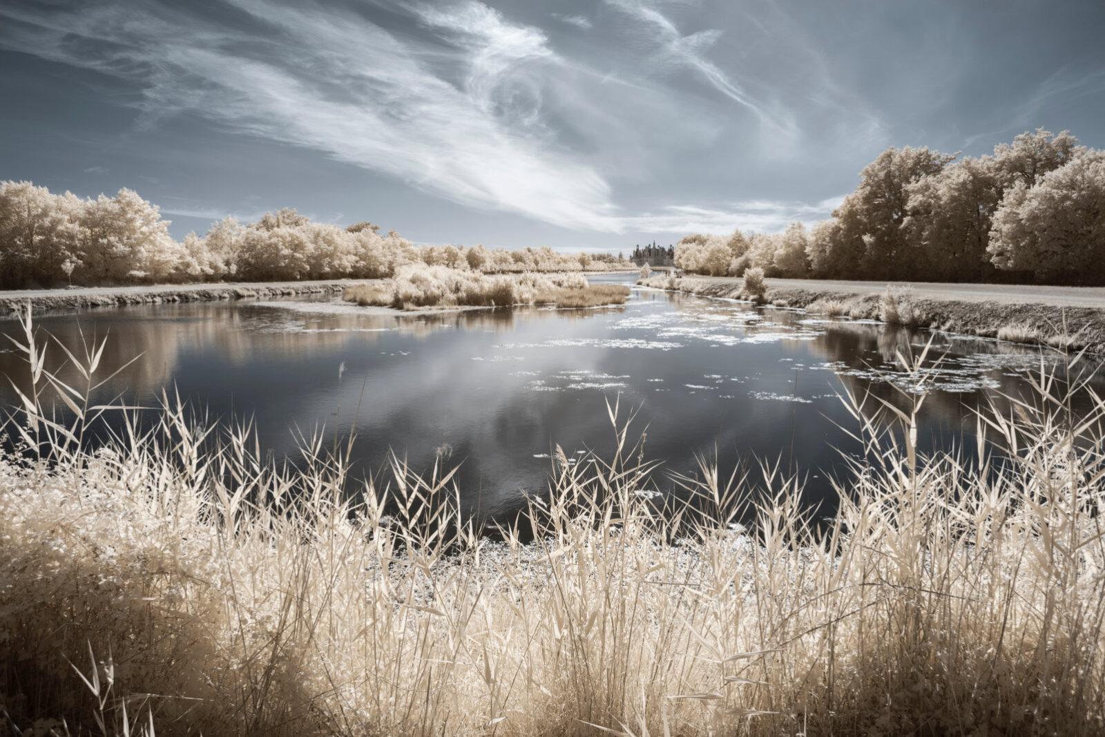 val-loire-loiret-chateau-loire-patrimoine-monument-naturel-jardin-infrarouge-invisible-chaumont-chambord-blois-nature-pierre-louis-ferrer-infrared