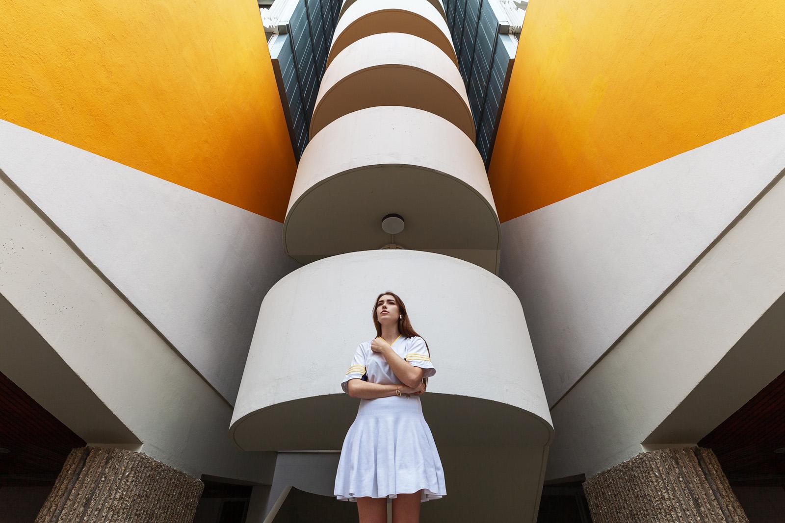 portrait_elise_grenelle_architecture_paris_Pierre-Louis_FERRER_photographe_2_bis