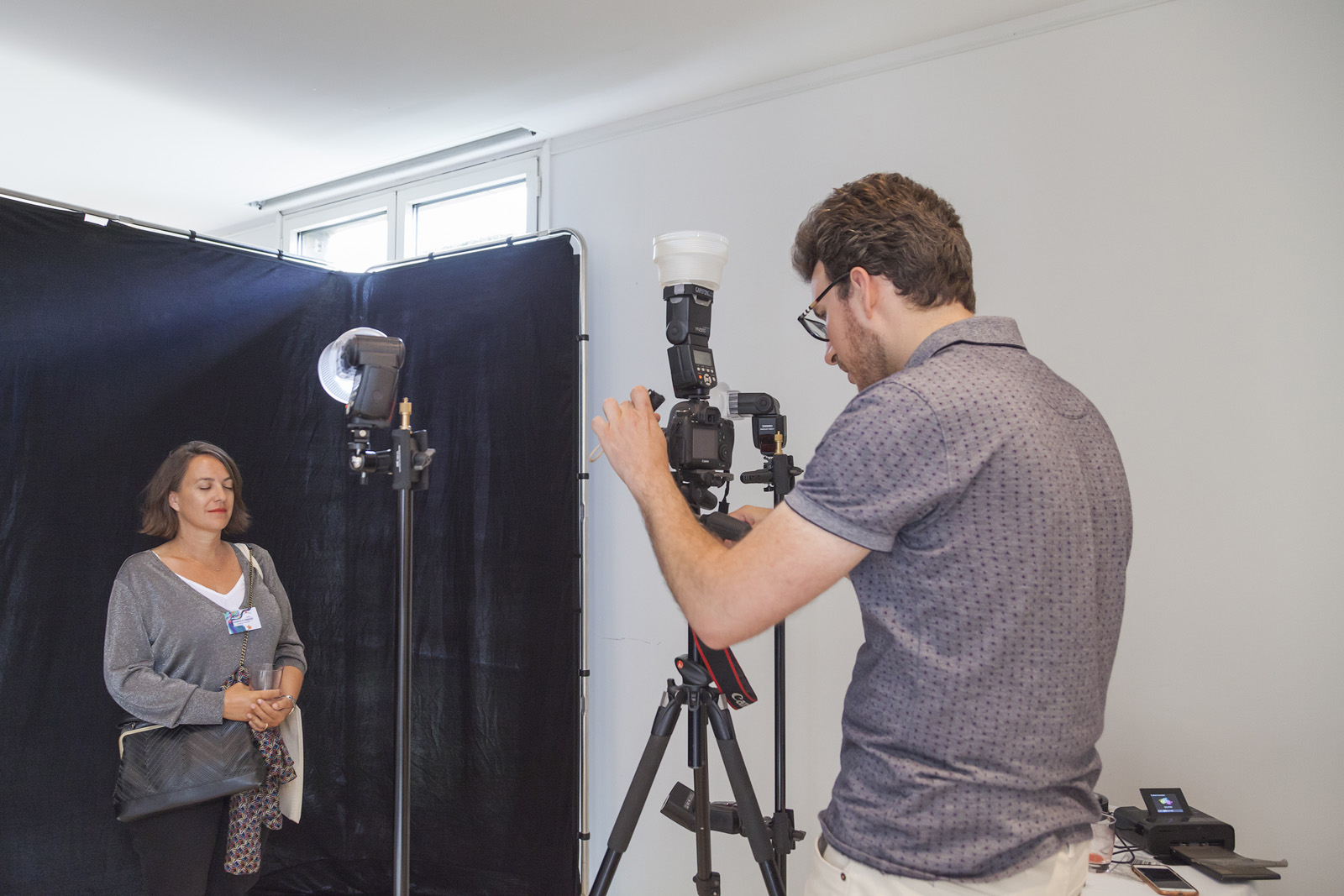 AG de la FEBEA, atelier de portrait en ultraviolet du photographe Pierre-Louis Ferrer