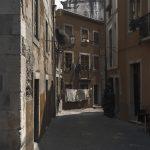 Photographie de rue en ultraviolet issue de la série I LUV LISBOA réalisée à Lisbonne par Pierre-Louis Ferrer. Tranquillité du Lisbonne authentique.