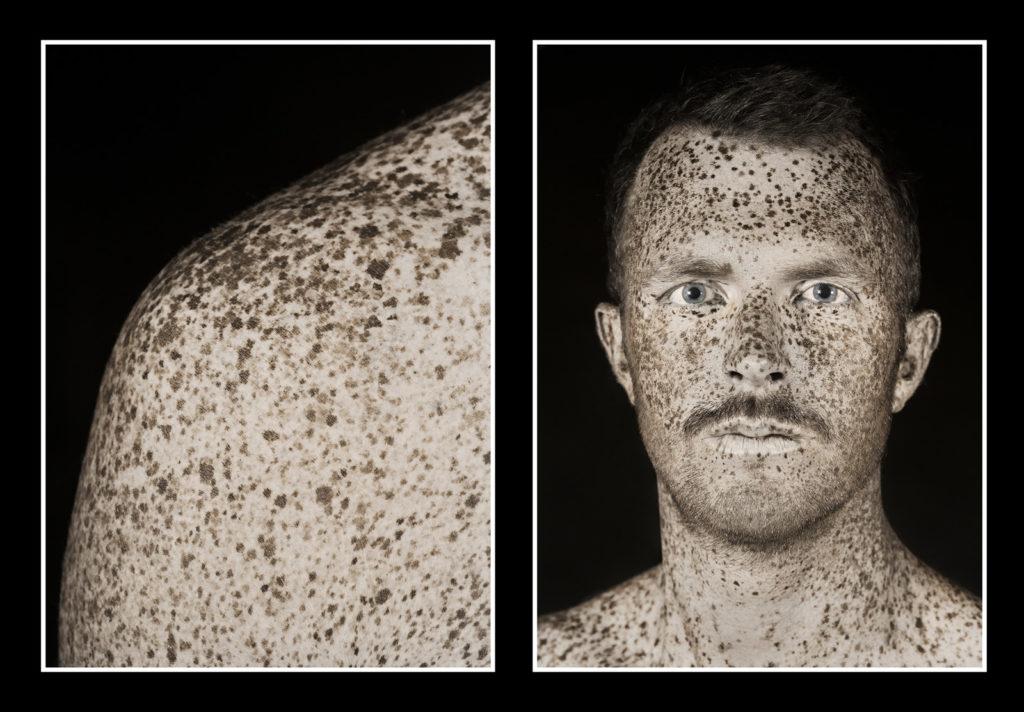 Illustration de l'impression en diptyque d'un portrait en ultraviolet issu de la série BRUT de Pierre-Louis Ferrer.