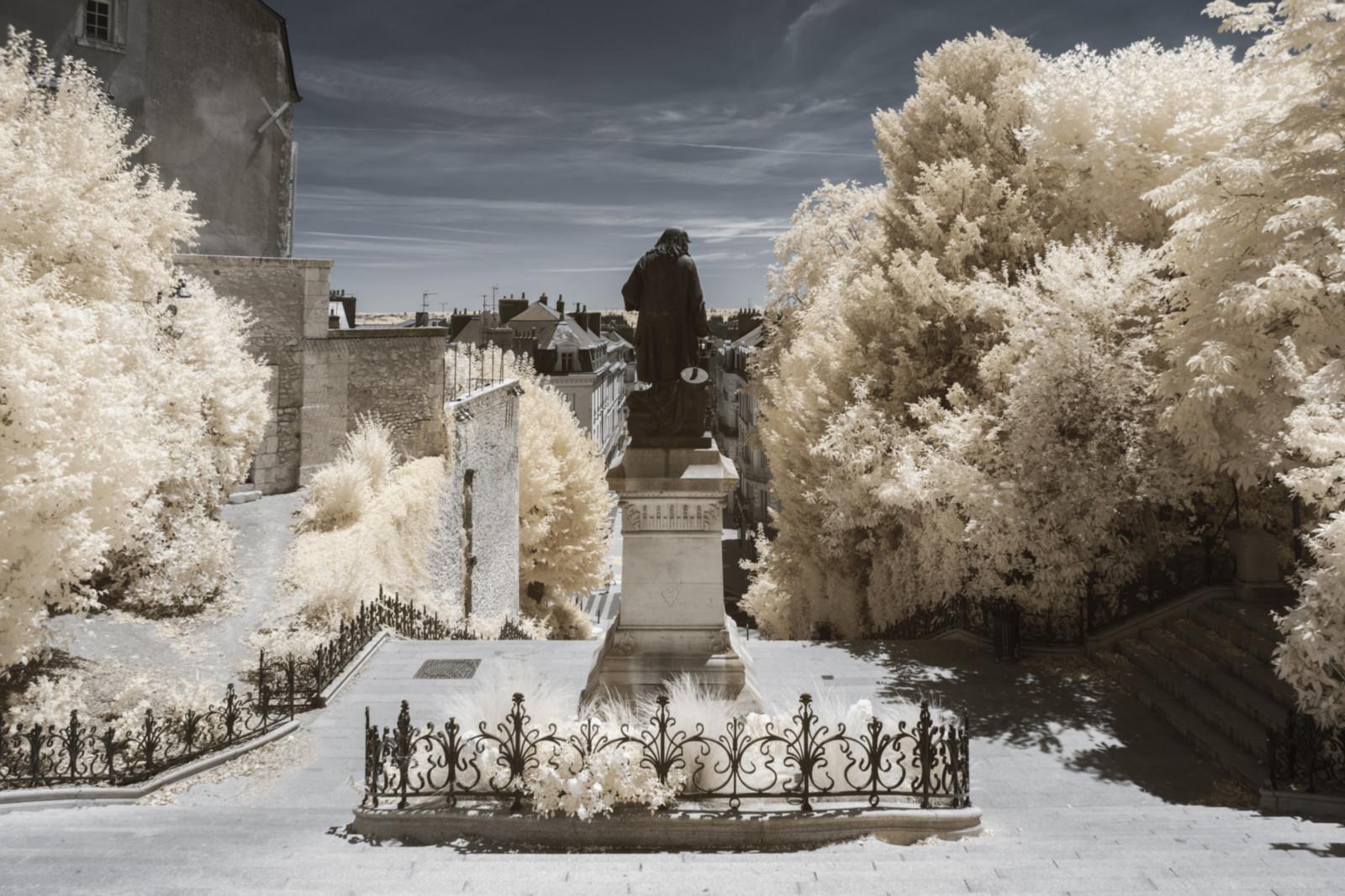 loiret-chateau-loire-patrimoine-monument-naturel-jardin-infrarouge-invisible-chaumont-chambord-blois-nature-pierre-louis-ferrer